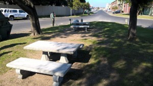 Benches in Packer Avenue - 7 Aug 15 (2)