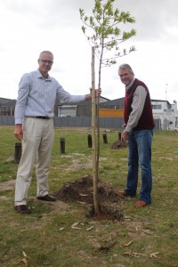 Andrew Pitchers & Howard Brady @ Nampak Bevcan Tree Planting - 21 Sep 15 (1)